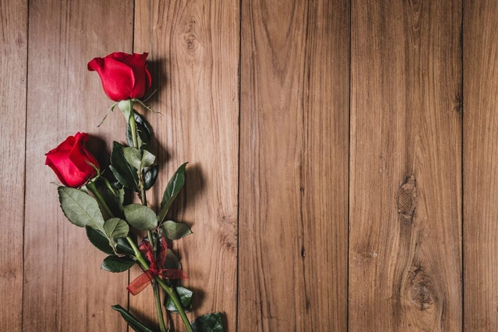 Roses, How To Find A Rich Sugar Mummy?